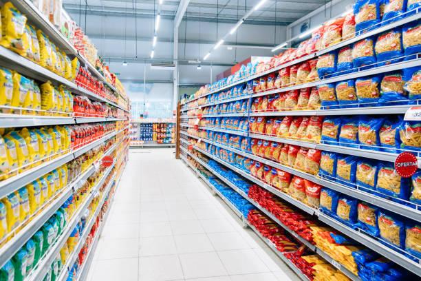 Bestückter Supermarkt – Foto