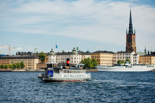 stockholm båttransport - ferry lake sweden bildbanksfoton och bilder