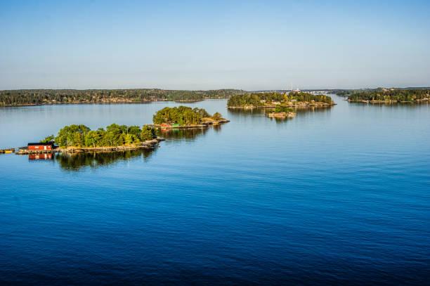 stockholm from the sea - szwecja zdjęcia i obrazy z banku zdjęć