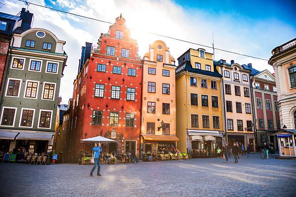 sztokholm, szwecja, stare miasto i miasto plac  - szwecja zdjęcia i obrazy z banku zdjęć