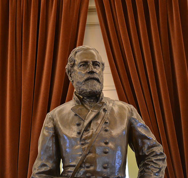 Stoic Robert E Lee Statue Statue of Robert E. Lee from inside the Virginia State Capitol. robert e. lee stock pictures, royalty-free photos & images