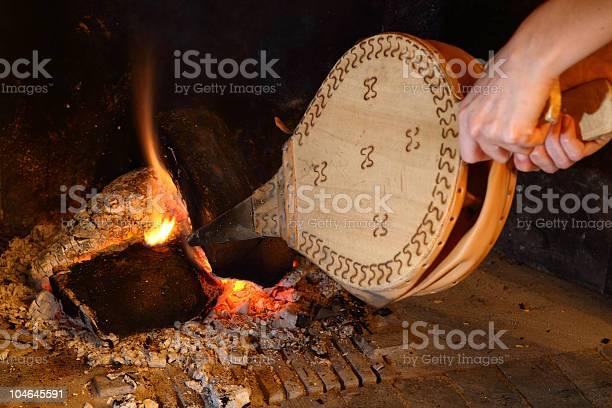 Stoke Das Feuer Stockfoto und mehr Bilder von Blasebalg
