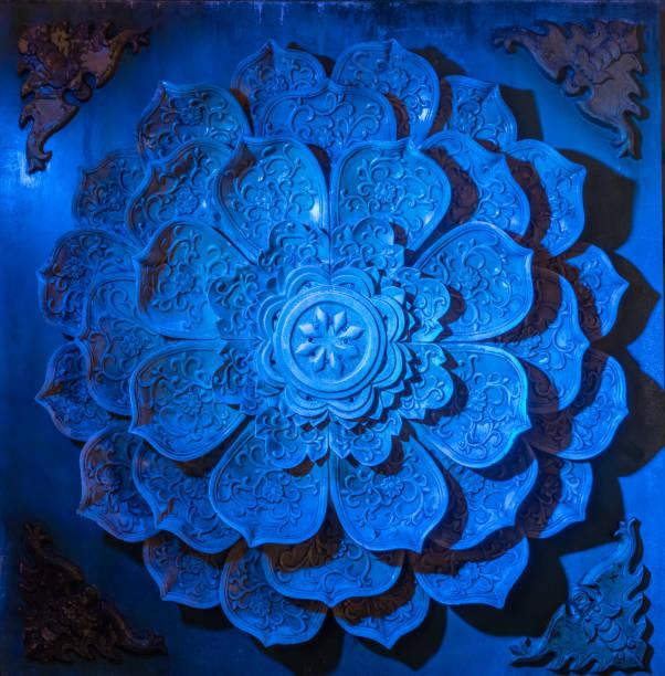 cinzeladura de pedra parece pétalas da flor é decorada - lotus - fotografias e filmes do acervo