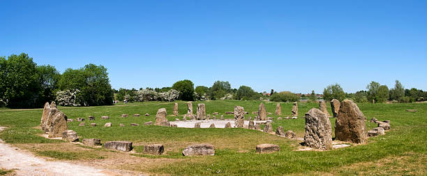 stone circle panorama milton keynes england blue sky over stone circle in willen park milton keynes buckinghamshire england buckinghamshire stock pictures, royalty-free photos & images