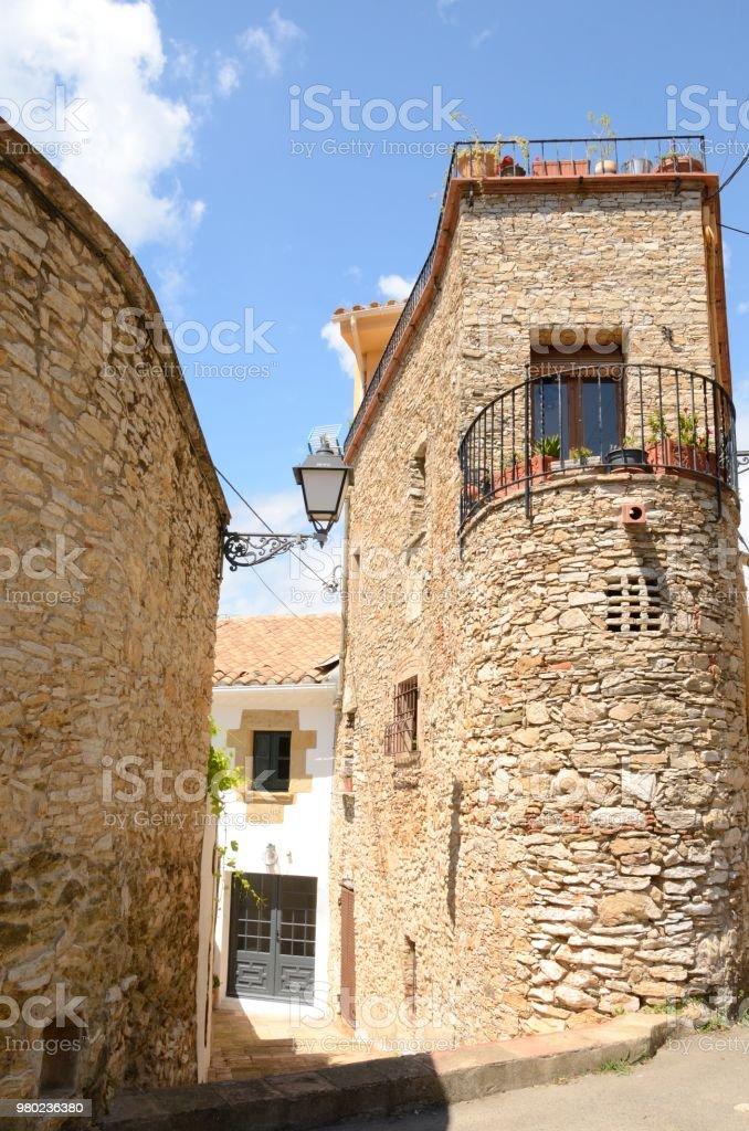 Piedra de la calle en Begur - foto de stock