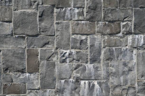 stenen muur - versterkte muur stockfoto's en -beelden