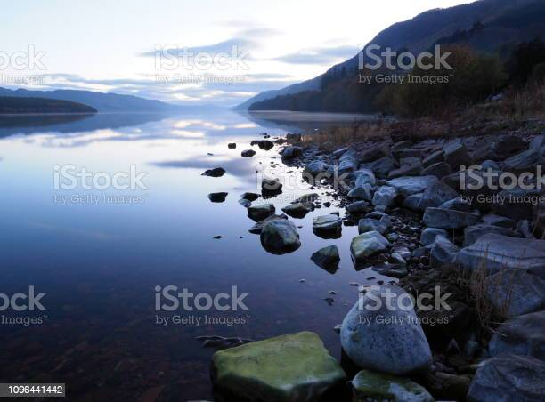 Stones at the edge of the loch ness picture id1096441442?b=1&k=6&m=1096441442&s=612x612&h=va2p8o7tt yjydgc4soprcj2c uu2mtsgunbfbti li=