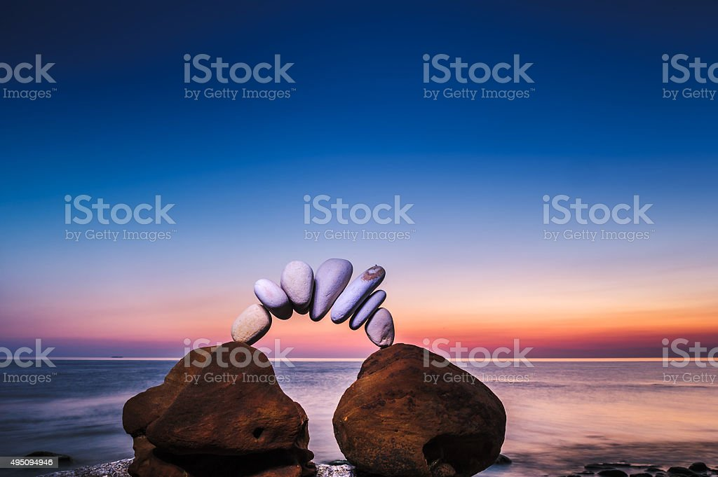 Steine auf das Meer – Foto