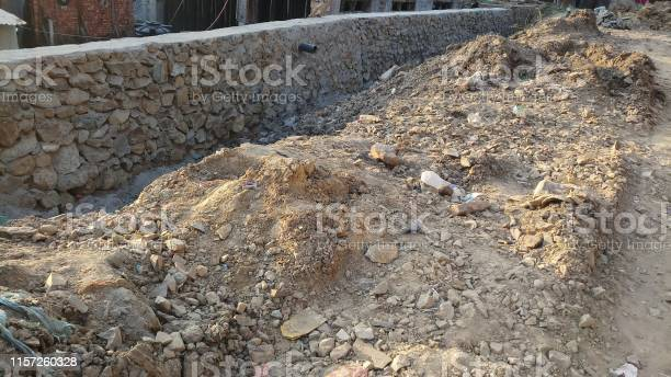 Photo of STones/Rocks to build the road-wall