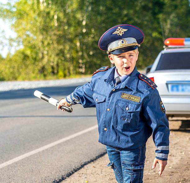 pase y deje su automóvil - feliz dia del policia fotografías e imágenes de stock