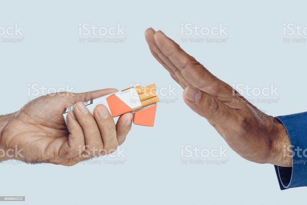 Parar de fumar  - foto de acervo