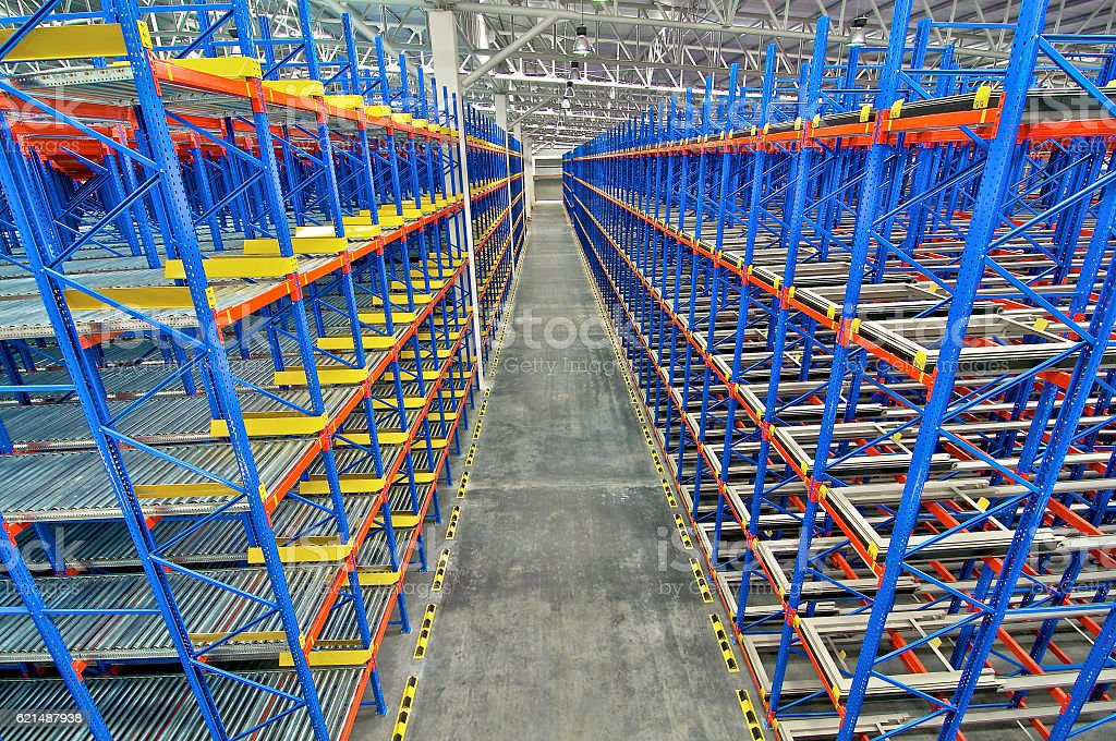 Storage pallet racking system for storage distribution centre foto stock royalty-free