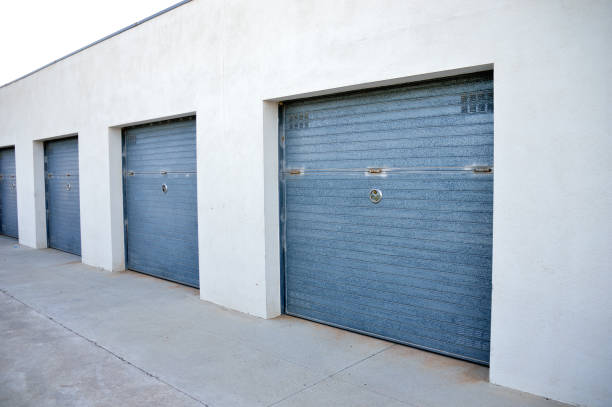 Storage units in a self storage facility at outdoor - foto stock