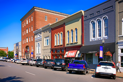 Stores Around The Public Square In Historic Downtown Murfreesboro Tn Usa Stock Photo - Download Image Now
