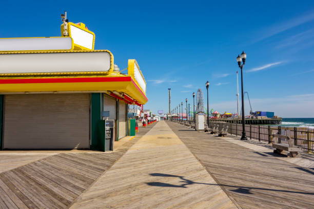 Stores in boardwalk Stores in boardwalk boardwalk stock pictures, royalty-free photos & images