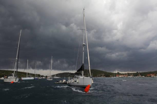 Storm at Adriatic harbor – zdjęcie