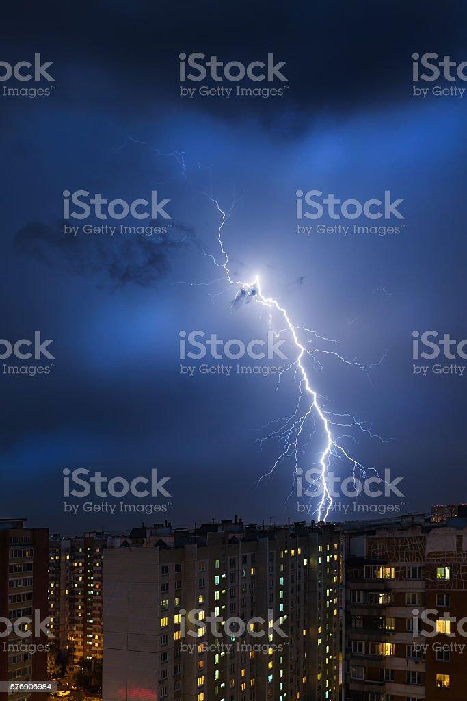 Storm clouds, heavy rain. Thunderstorm and lightning over the city. - fotografia de stock