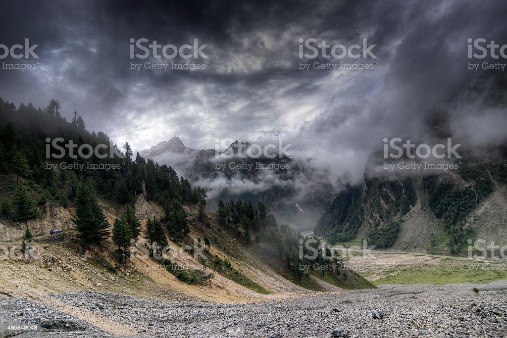 Wolken über die Berge von ladakh, Jammu und Kaschmir, Indien – Foto