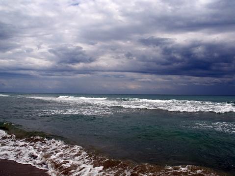 Storm Clouds Over The Tyrrhenian Sea In Southern Italy — стоковые фотографии и другие картинки Tyrrhenian Sea