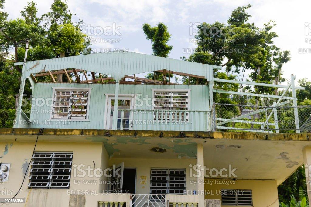 Sturm beschädigte Häuser – Foto