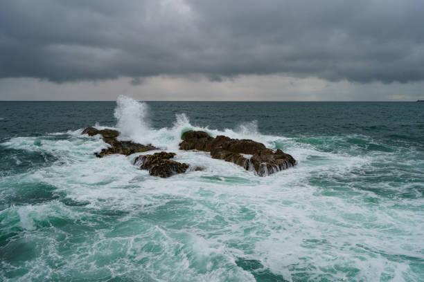 storm in the atlantic ocean - rain clouds porto portugal imagens e fotografias de stock