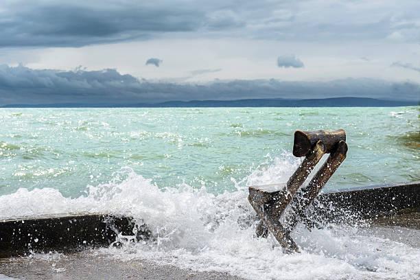 Sturm auf die Balaton lake.  Ungarn – Foto
