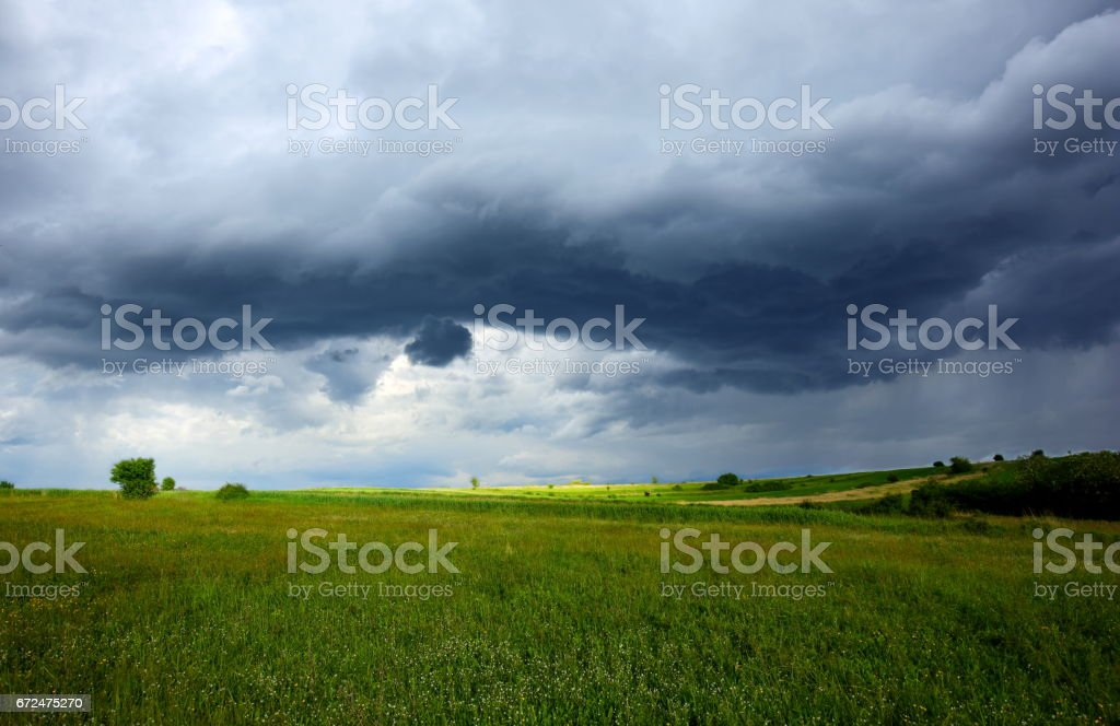Storm Over the Fields - foto stock