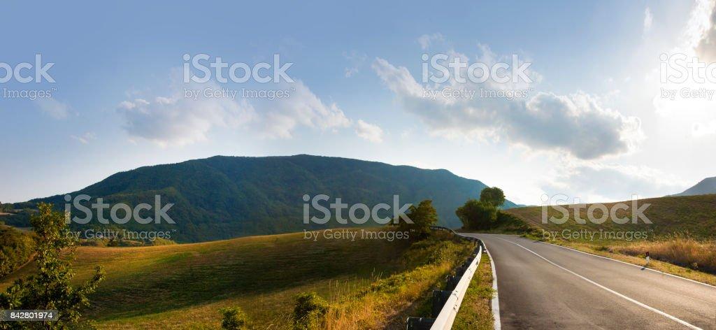 strada in collina stock photo