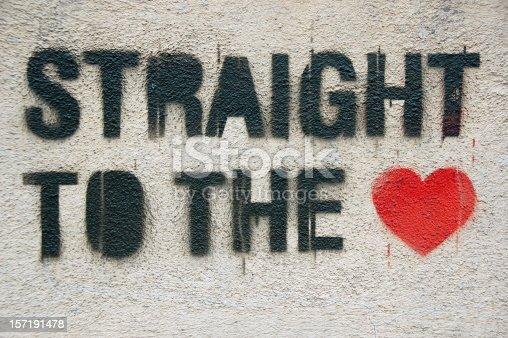 istock Straight to the heart graffiti 157191478