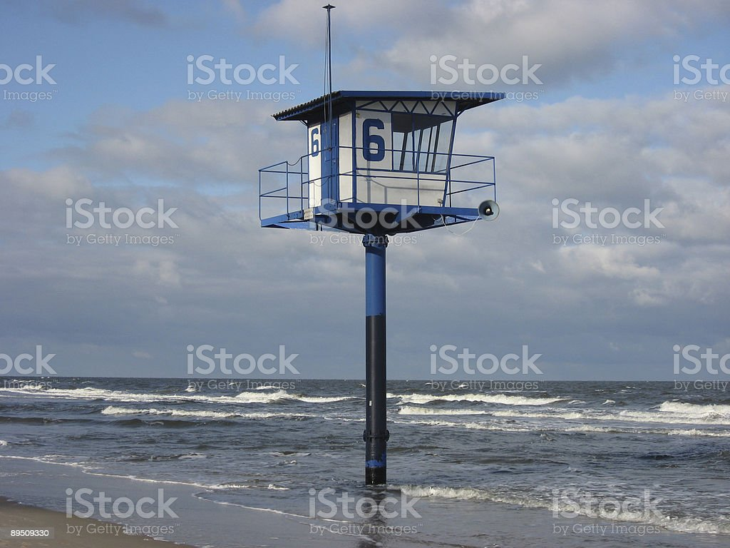 Strand mit Beobachtungsturm royalty-free stock photo