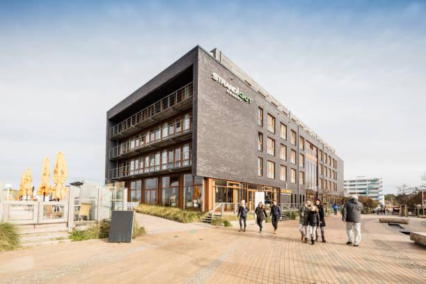 strandgut-hotel in st. peter-ording, deutschland - nordsee urlaub hotel stock-fotos und bilder