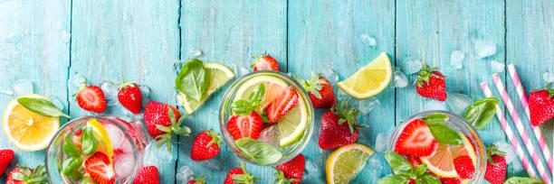 Erdbeeren und Basilikumlimonade – Foto