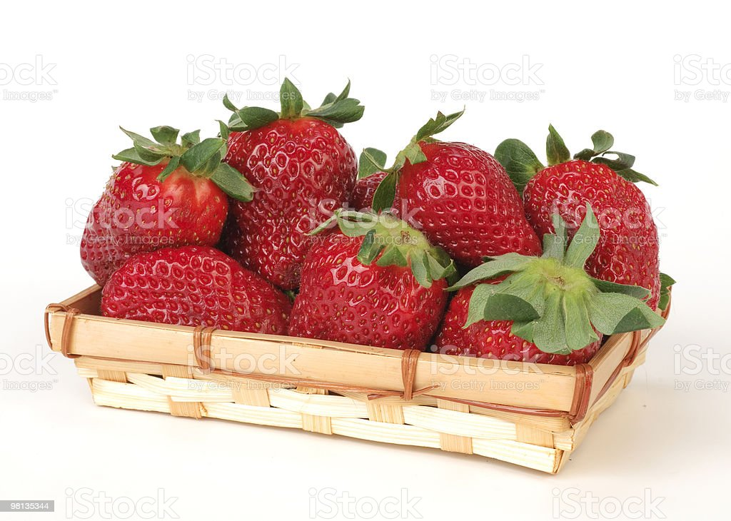 Fragole nel cestino royalty-free stock photo