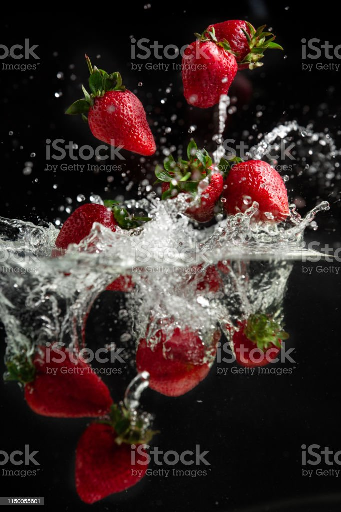 Strawberries into water - Fruits and Vegetables splash serie