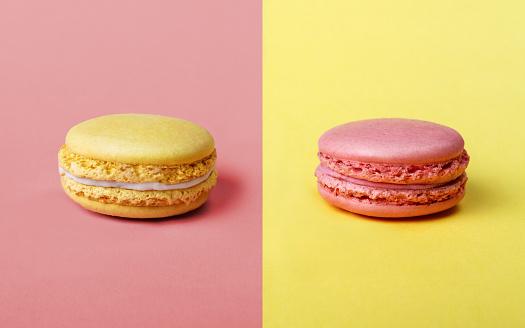 Jordgubbar Och Citronsmak Franska Macarons-foton och fler bilder på Beskrivande färg