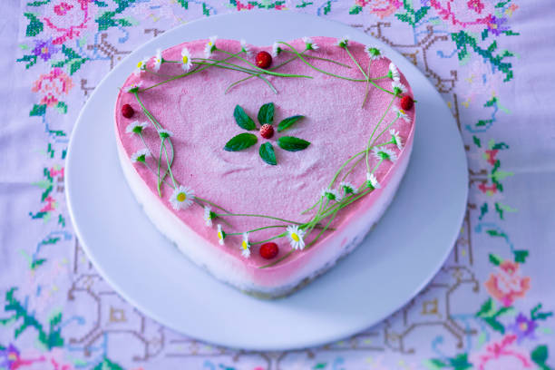coração bolo de morango - foto de acervo