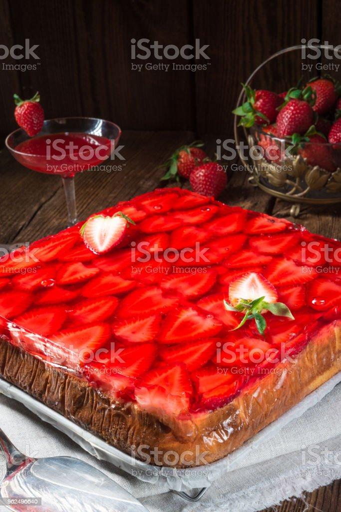 Cheesecake de morango - Foto de stock de Alemanha royalty-free