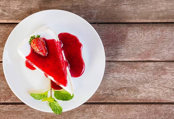 Gâteau à la fraise crêpe vue du haut - Photo