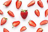 イチゴの創造的なパターン。