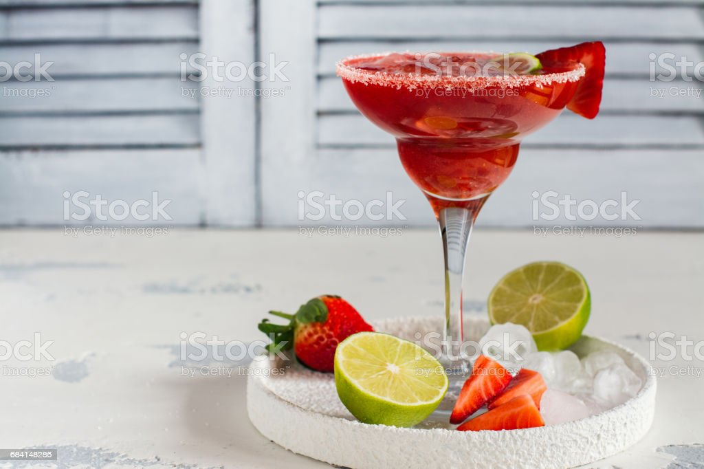 Strawberry daiquiri cocktail royalty free stockfoto