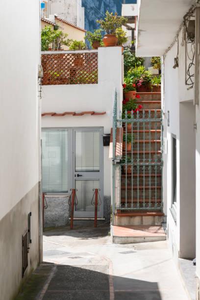 Straße und Treppen auf Capri – Foto