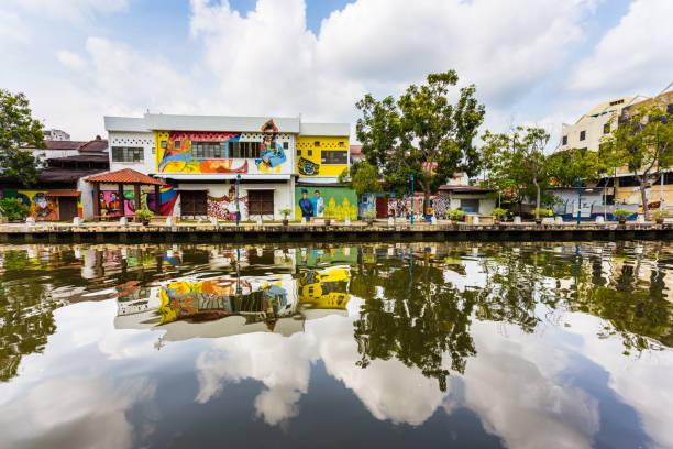straatkunst in melaka (malacca) in maleisië - malakka staat stockfoto's en -beelden