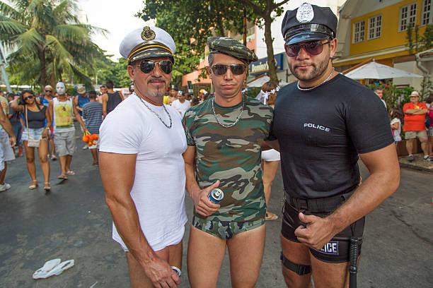 calle carnaval de río - feliz dia del policia fotografías e imágenes de stock