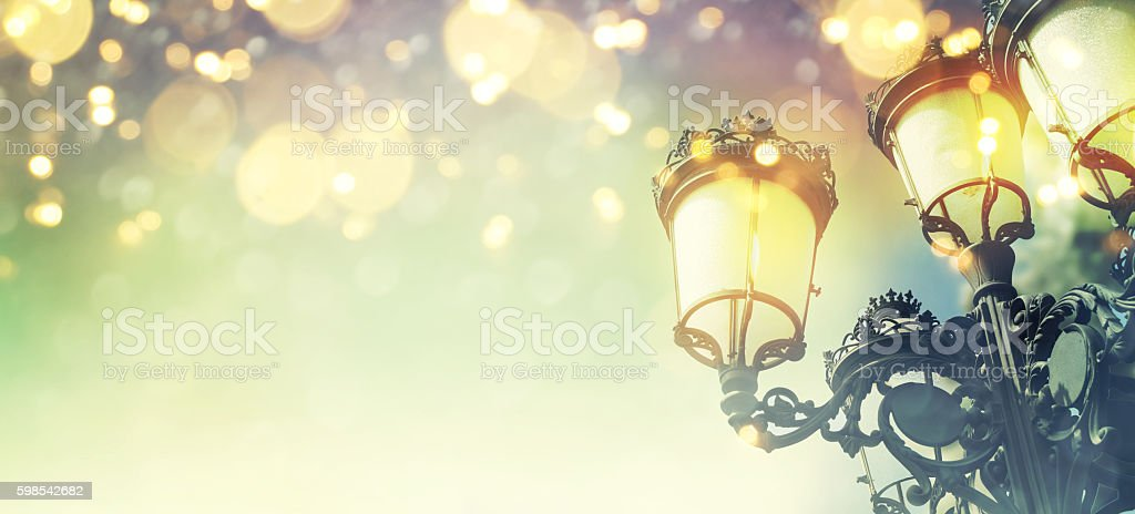 Street Christmas lights on background photo libre de droits