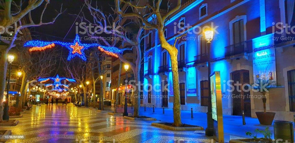 Calle luces de la Navidad - foto de stock