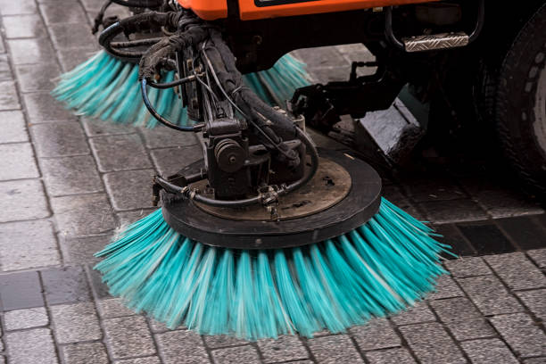 Street cleaner Brushes of a road cleaner machine street sweeper stock pictures, royalty-free photos & images