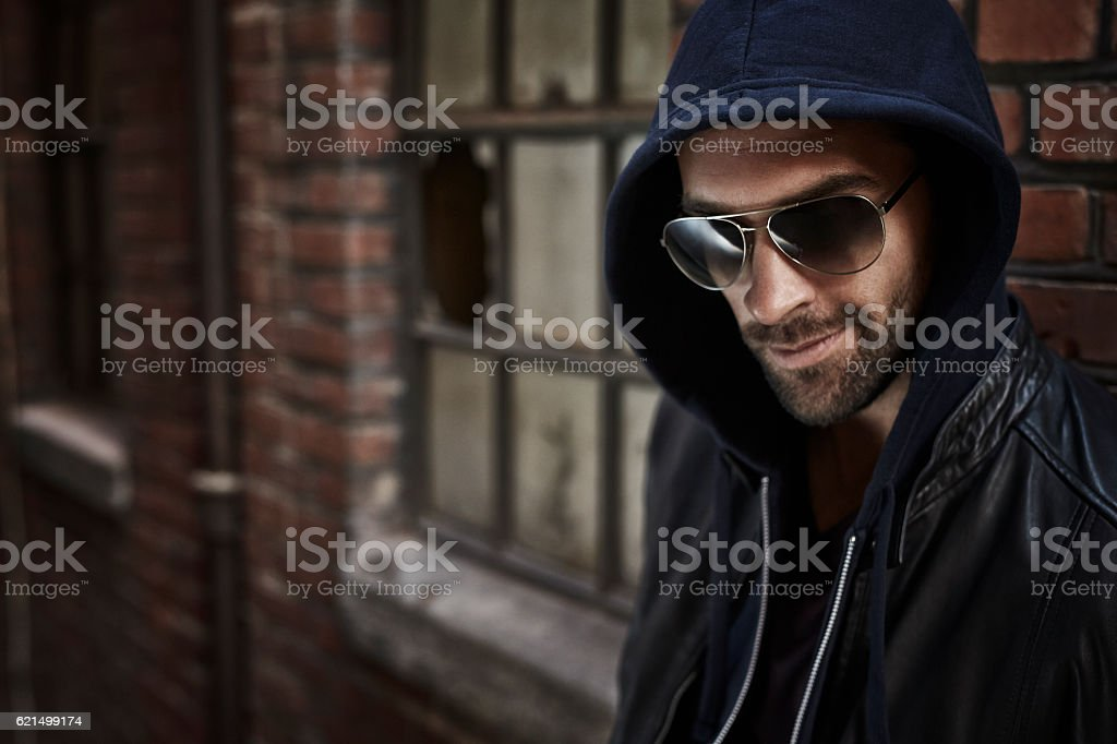 Street fashion man in sunglasses, looking away foto stock royalty-free