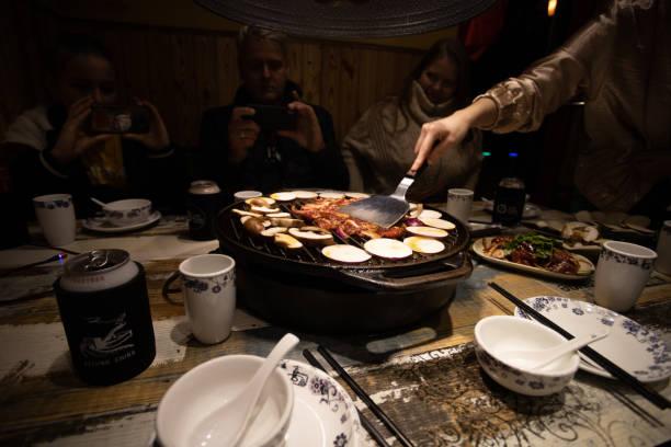 Street Food Kochen auf Gitter in Peking China – Foto