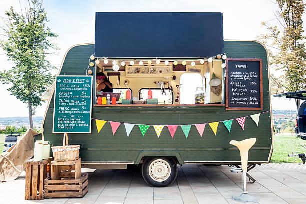 street food in the park - streetfood stock-fotos und bilder