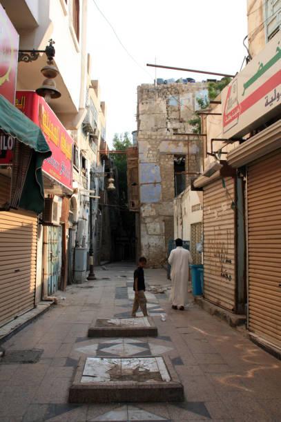 street in al-balad, distrik bersejarah jeddah, arab saudi - rumah syariah potret stok, foto, & gambar bebas royalti